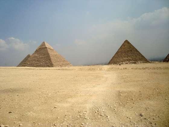 pyramids-798401_1920